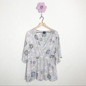 Torrid Grey / Blue Floral Kimono Style Blouse